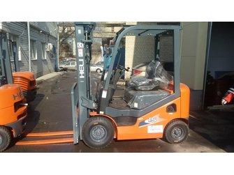 Бензиновый вилочный автопогрузчик Heli CPQD15